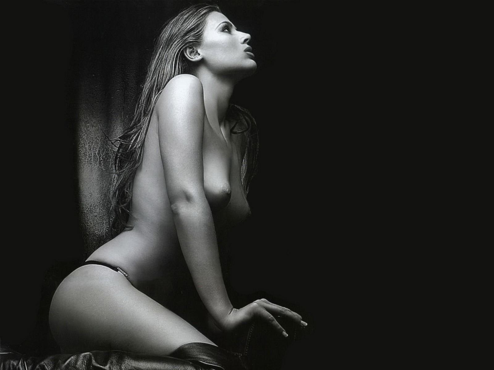 Черно-белое фото обнаженных девушек в высоком разрешении — photo 14